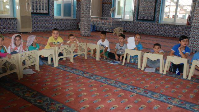 camilerde-kuran-ogretimi-ramazan-ayi.jpg