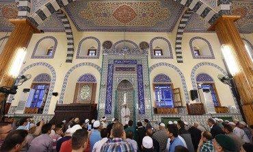 Diyanet İşleri Başkanı Görmez, Konya Kapu Camii'nde sabah namazında gençlerle buluştu