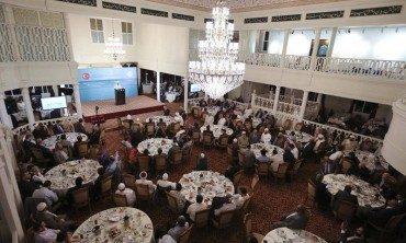 Türkiye'de bulunan muhacir alimler Diyanet'in iftar sofrasında buluştu