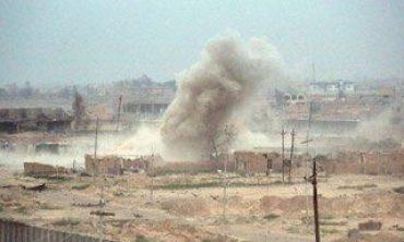 Koalisyon güçleri IŞİD'in elindeki Tikrit'i bombalıyor